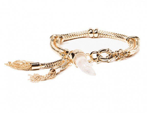 What we love – We love how delicate yet powerful this Quartz bracelet by Massimo Dutti is.