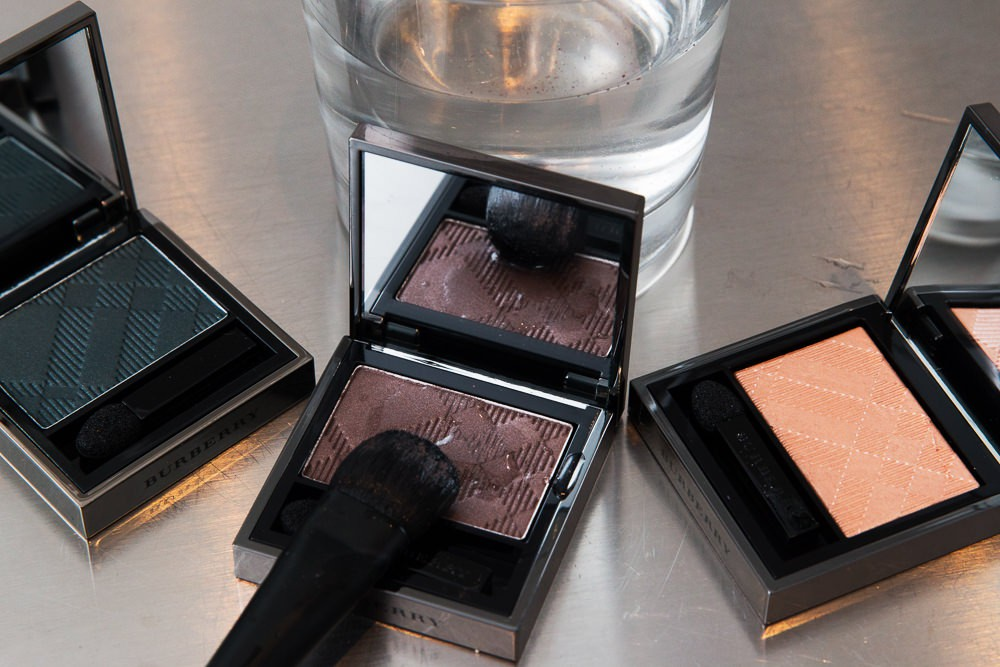 Do not, repeat, do not put eye drops, water, or any other sort of liquid directly on your eye shadow. This'll screw up your product for later use.