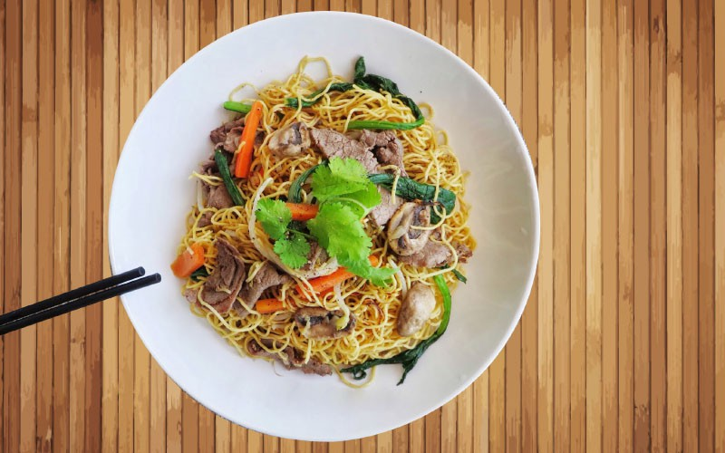 Dinner is Served! Stir Fried Noodles with Beef.