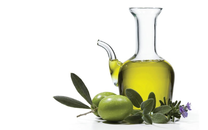 We all love olive oil, but did you know your summer body can benefit so much from it?